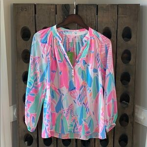 Lily Pulitzer NWT Elsa blouse in Out to Sea print